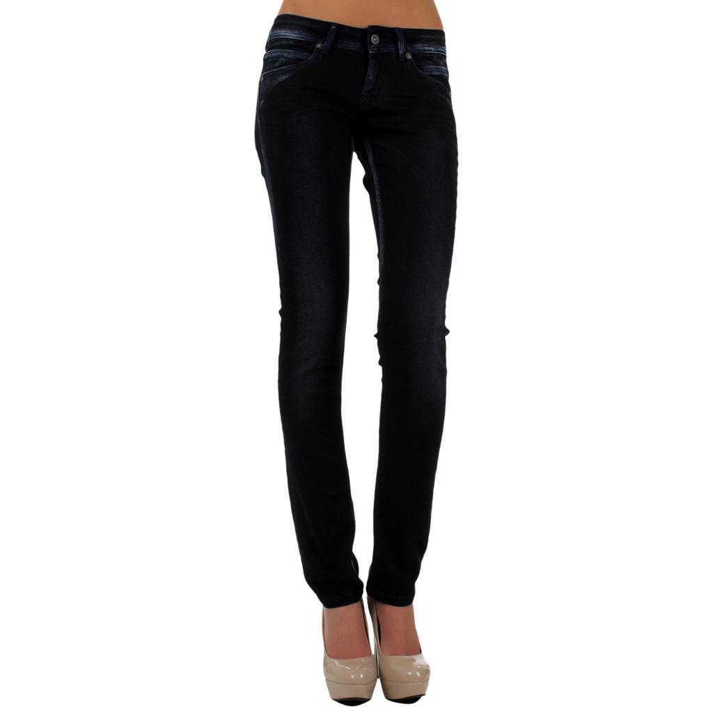 Jeans femme, déclinés sous de nombreux modèles