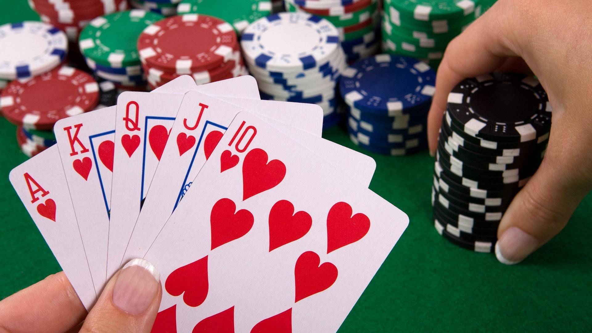 Apprendre le poker dans un casino en ligne