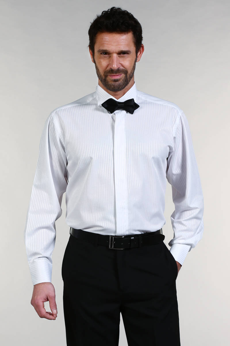 optez pour une chemise pour noeud papillon pour affirmer. Black Bedroom Furniture Sets. Home Design Ideas