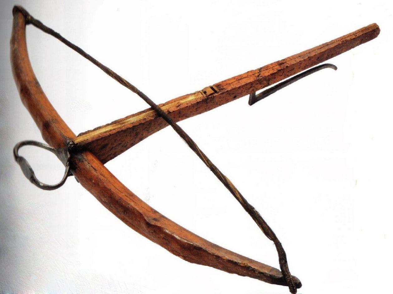 Comment fabriquer une arbalète en bois ?